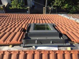 Pose VELUX sur couverture de toit